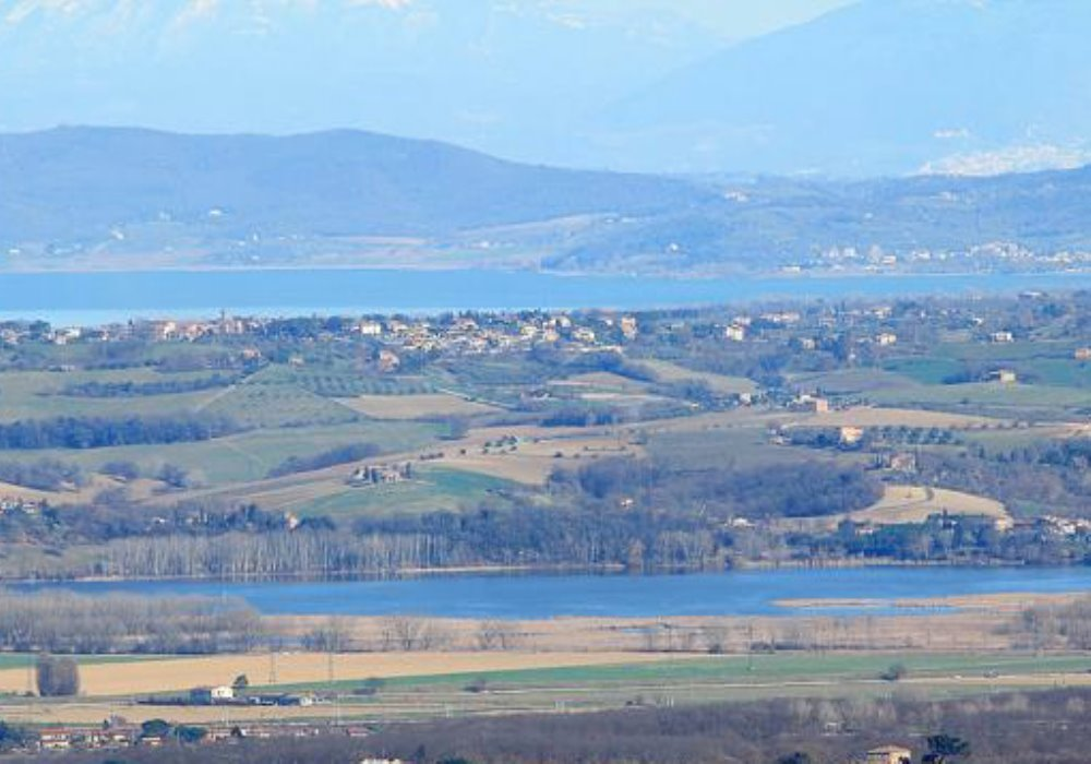 Pasqua in Toscana fra i Chiari di Chiusi e Montepulciano Laghi in Valdichiana